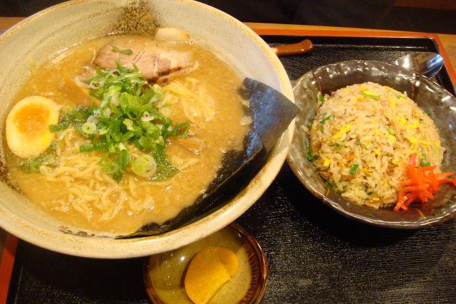 越後秘蔵麺 無尽蔵 新田塚家