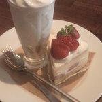 クマカフェ - ショートケーキ&ソフトクリーム
