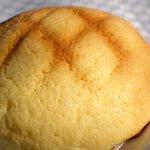 ラ パンセ - メロンパン(120円) 表面はカリカリです☆
