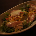 Fantasy Dining Bar Chum - 生ハムシーザーサラダ