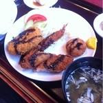 浜っ子ラーメンセンター本部 - ミックスフライ定食