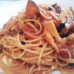 イタリアーノ イワイ - 茄子とキノコのトマトソースパスタ