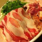 9463904 - 鹿児島産黒豚肉薄切りはしゃぶしゃぶで。(ノ∀`)ウマー♥