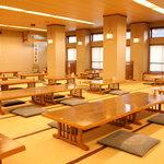 和食処 梵 - 店内は座敷を基調とした純和風です。