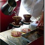 カフェ オトノ - 料理写真:コーヒー入れる
