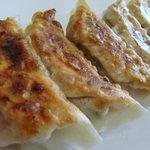 純華楼 - 人気の餃子 小籠包のような風味 1人前 ¥400
