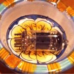 おとふけ - 灰皿の中の真空管