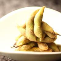 この枝豆も、燻製なんです。