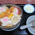 満留賀 - 鍋焼きうどん