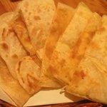 アジアンキッチン ロティマン - ロティ (チーズ)