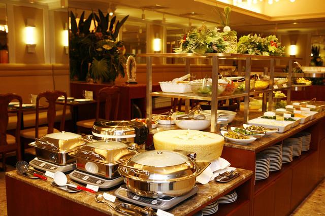 https://tabelog.ssl.k-img.com/restaurant/images/Rvw/9665/640x640_rect_9665247.jpg