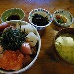 ふく丸 - 海鮮あられ丼(1,400円)
