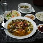 重慶府 新橋 - 白身魚と高菜の辛煮