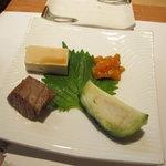 よし佳 - 豆腐・ホヤ・鮪の脳天・水茄子