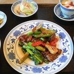 中国料理 頂好 - 牛肉と野菜のカキ油炒めランチ