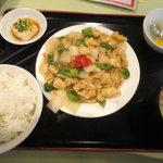 香港食市場 - 鶏肉のカシューナッツ炒め