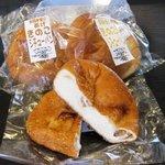 多間本家 - 料理写真:季節メニューのパン