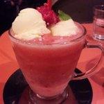 キックバック カフェ - ラズベリーフロート 450円