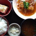 美弥和 - お魚膳(からすがれいの唐揚げ甘酢あん・湯豆腐)