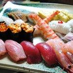 鮨大 - 天然生本鮪・湯掻きたて活車海老・浅〆鯖など