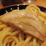 六厘舎 - 味玉つけ麺 チャーシュー