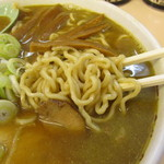たかはし中華そば店 - 麺アップ スープには煮干しの魚粉が…^^;