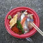 長井水産(株)(直売センター) - 500円丼