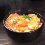 喜三郎農場 - 料理写真:こだわり卵と甲州地鶏で作った、夕焼け親子丼特上