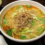 四川料理 心技亭 - 『四川タンタン麺』 ランチタイムに選べるもう一品付きで840円。