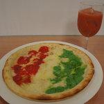ラ カーサ ディ マルコ - 150年記念国旗ピザ