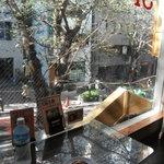 カフェ Marui堂 - 窓際で頂きました
