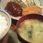 富士見亭 - 料理写真:人気メニュー「富士見定食」800円。