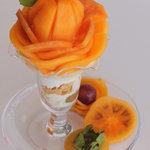 アオイ農園 ぶどうの木 - 3種類の柿が入った、柿好きには堪らない「柿のパフェ」\1,300