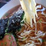 伊豆の佐太郎 - 麺は平打ち麺